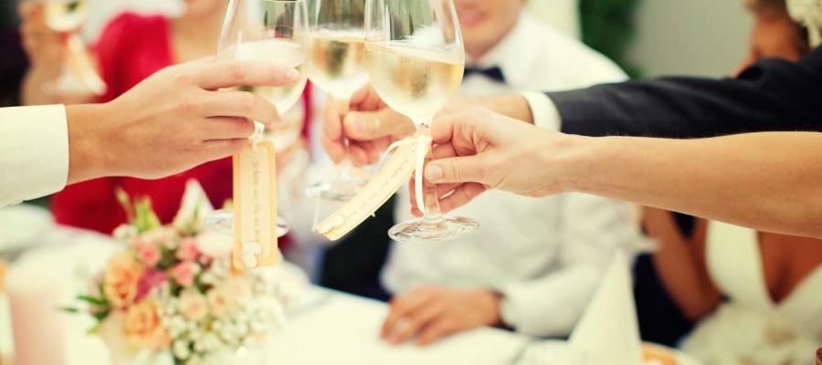 Celebre el banquete de su boda en nuestro restaurante de Albacete. Le ofreceremos la mejor comida manchega tradicional.
